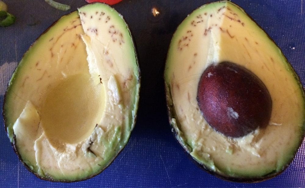 Brown lines in an avocado can be OK to eat
